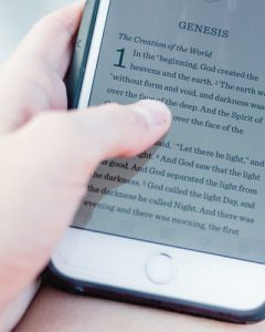 Electronic reading device