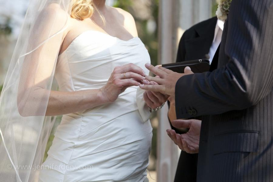 what to wear pregnant bride