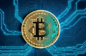 Bitcoin Eyes $8000 Again As Crypto Market Thrives