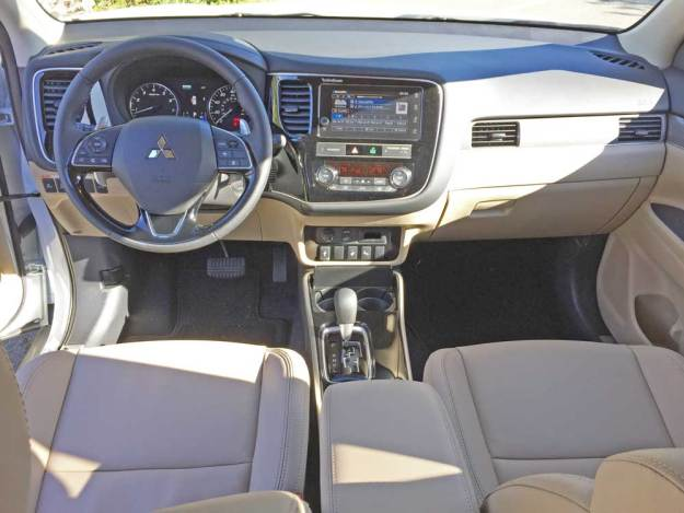 Mitsubishi-Outlander-GT-Dsh