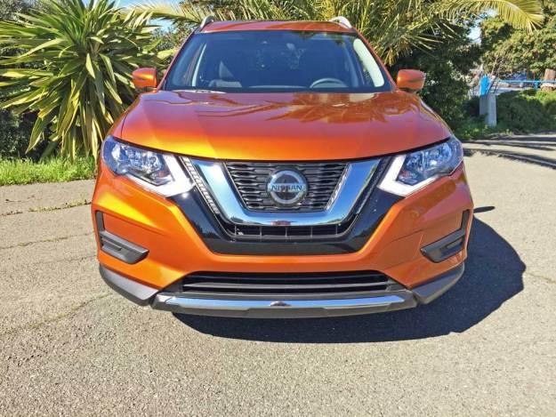 Nissan-Rogue-SV-AWD-Nose