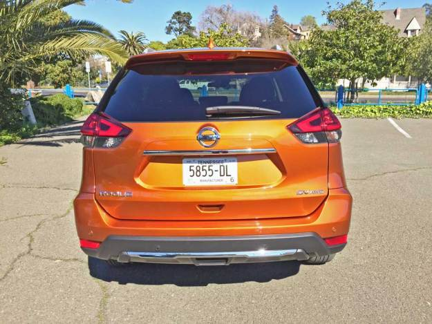 Nissan-Rogue-SV-AWD-Tail