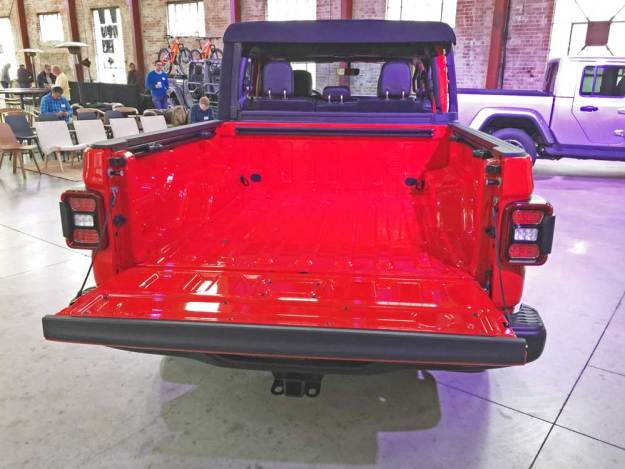 Jeep-Gladiator-Rubicon-Bed