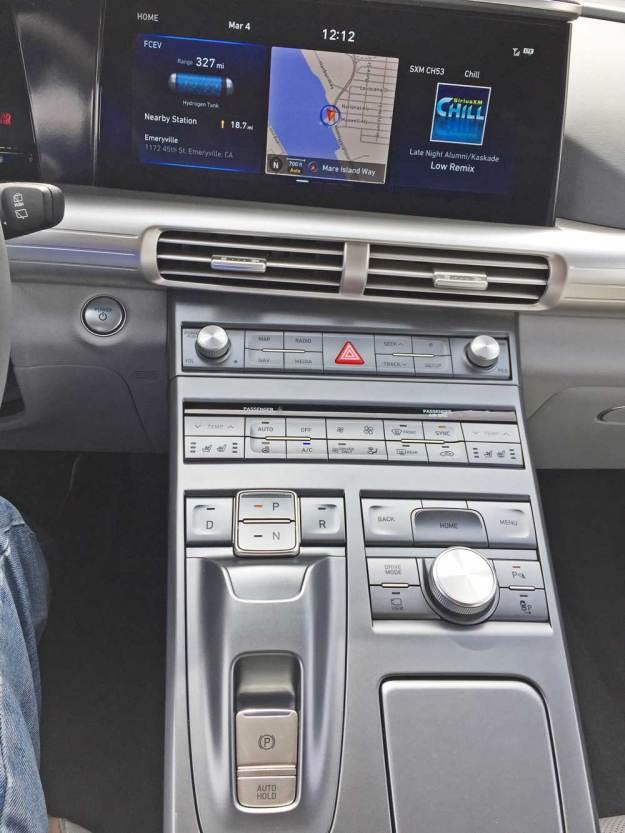 Hyundai-NEXO-FCEV-Cnsl