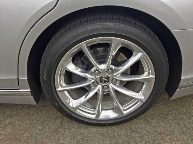 Lexus-LS-500-Whl