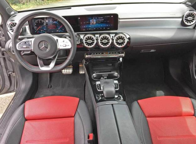 MBZ-A220-4MATIC-Sdn-Dsh