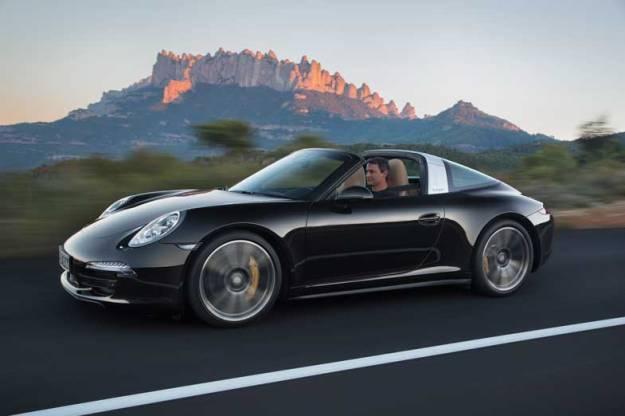 Porsche-911-Targa-Black-Driving-