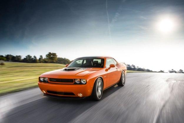 2014-Dodge-Challenger-RT-Shaker