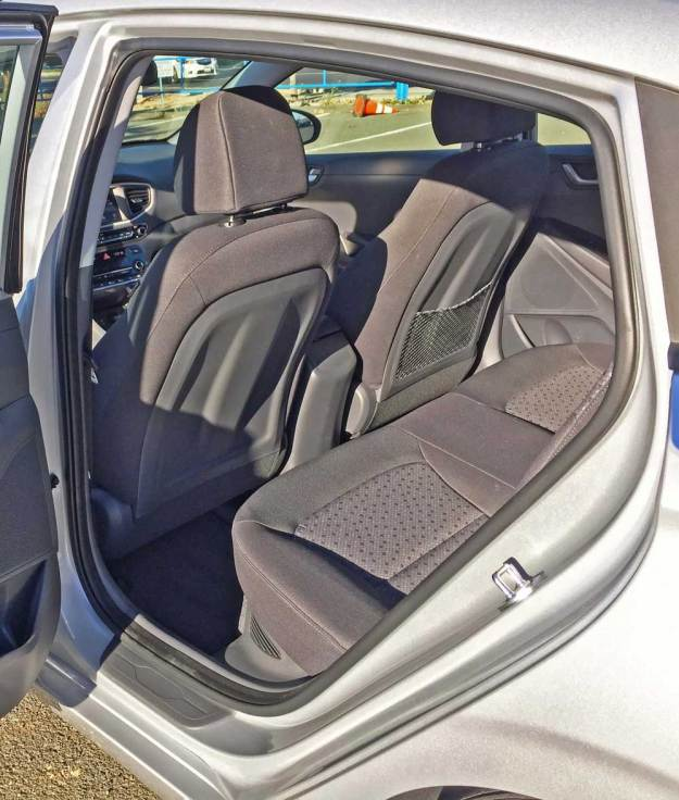 Hyundai-Ioniq-Hybrid-Blue-RInt