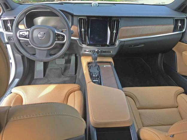 Volvo-S90-T6-Ins-Dsh