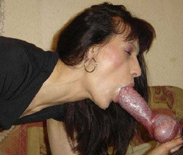 Milf Likes To Suck Dog Prurient Woman Is Cock
