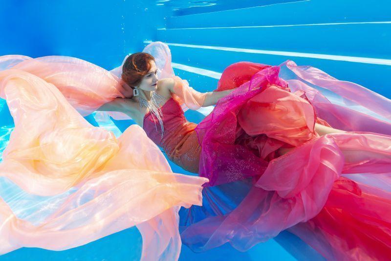 фотосессия в открытом бассейне