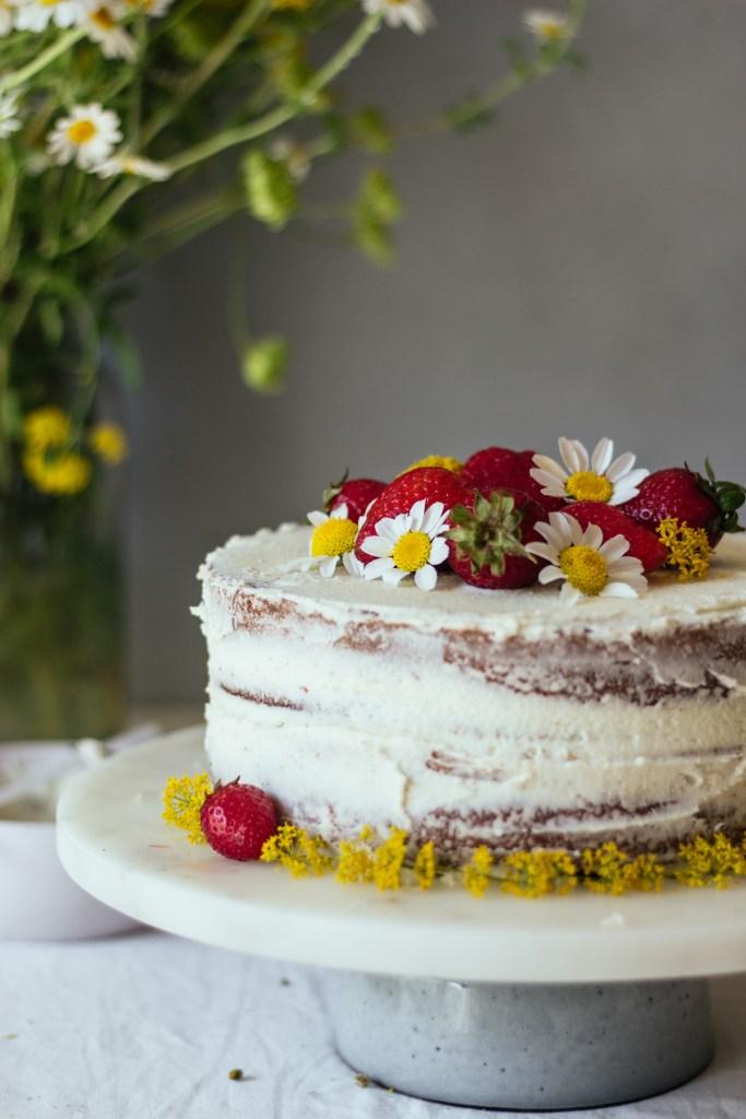 Κέικ με βουτυρόκρεμα χαμομηλιού