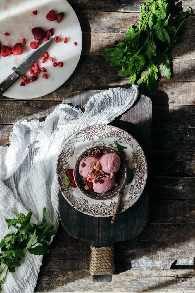 frozen yogurt φράουλας