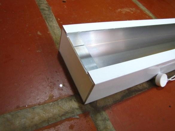 Detalhe do perfil de alumínio