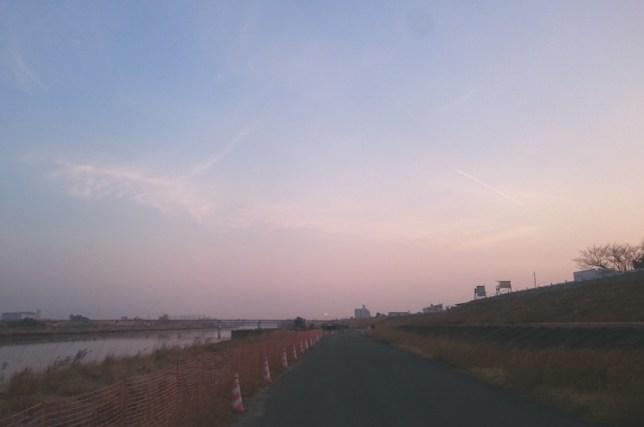 河原の朝焼け