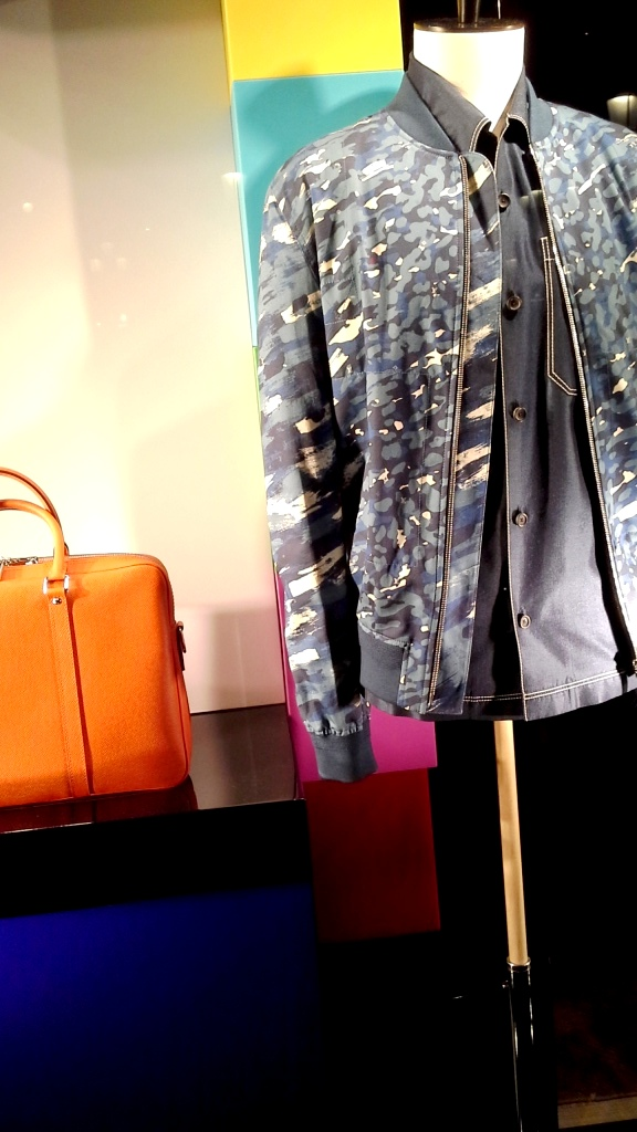 LOUIS VUITTON ESCAPARATE BARCELONA SPRING #louisvuittonescaparate #escaparate #escaparatismo (13)