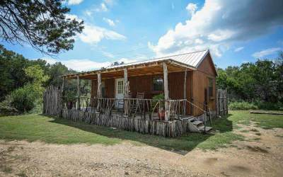 A Country Place – The Smokehouse