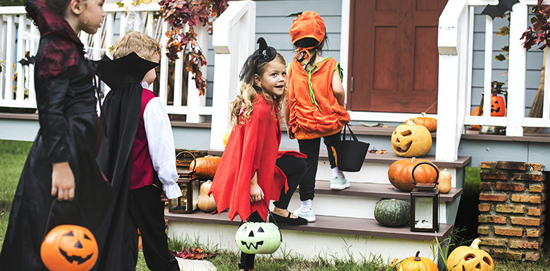 kids in halloween costumes