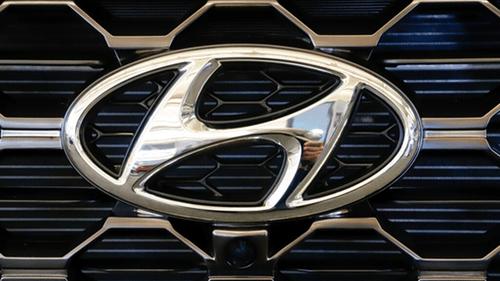 recall Hyundai with logo