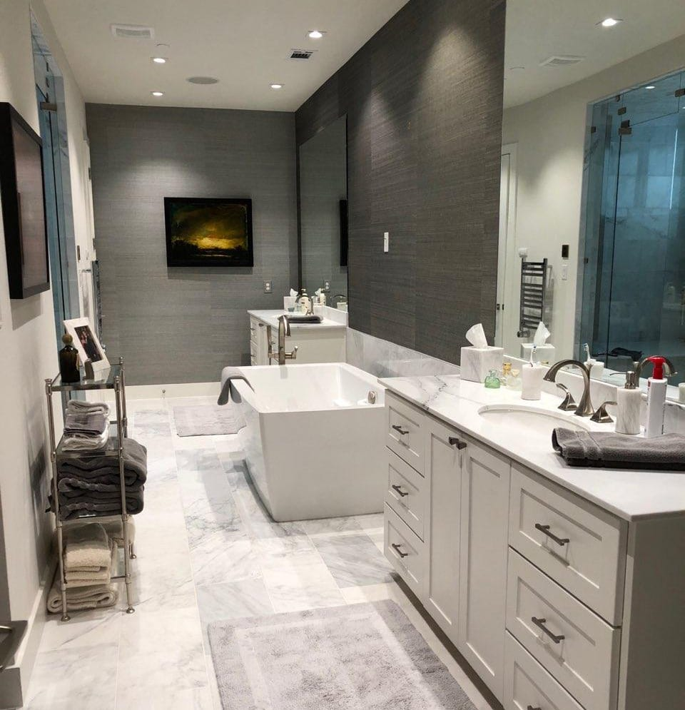 Wall Coverings Grasscloth in Bathroom