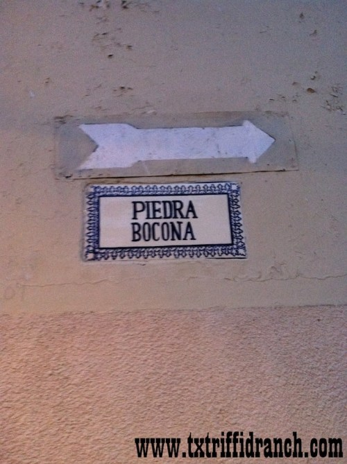 Signs to La Bocona