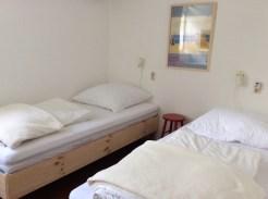 Zimmer rechts Einzelbetten