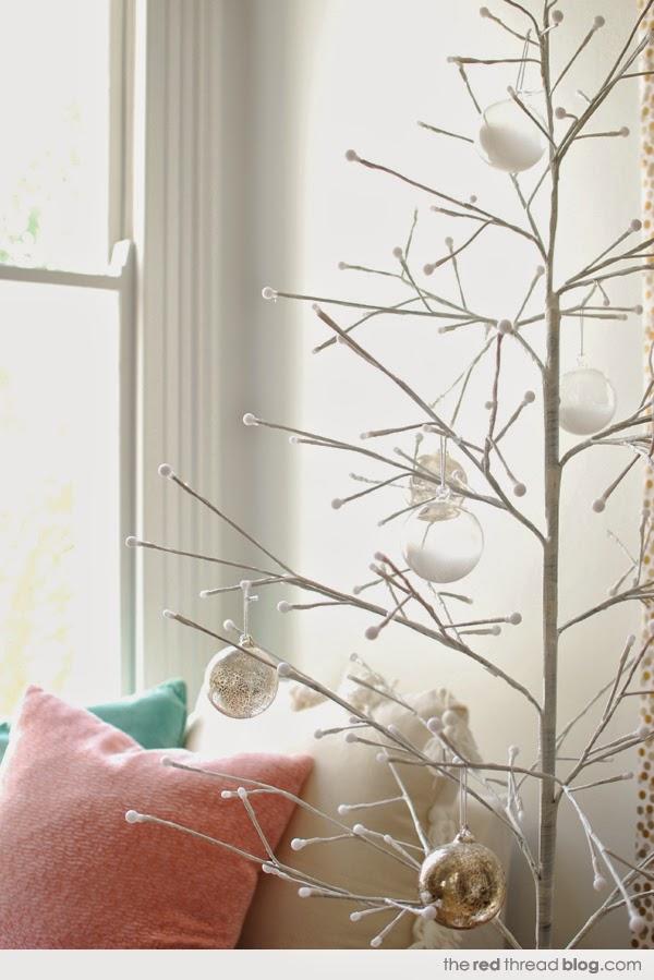 Χριστουγεννιάτικη διακόσμηση σε παστέλ, χρυσό, λευκό και ξύλο1