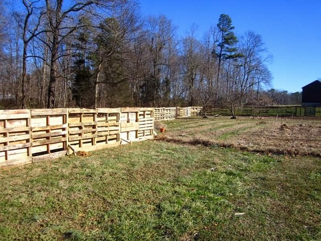 Ιδέες με Φράχτες από ξύλινες παλέτες10