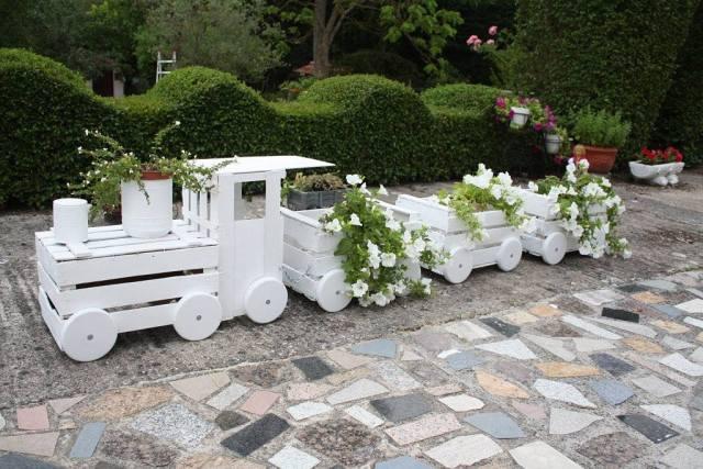 diy τρενάκι γλάστρα κήπου1
