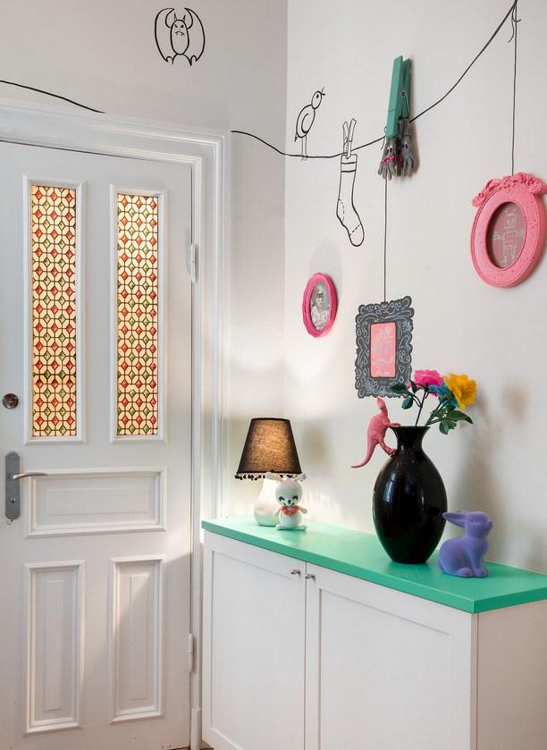 Έντονα χρώματα σε ένα καταπληκτικό σκανδιναβικό διαμέρισμα22