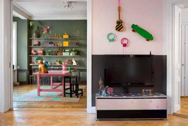 Έντονα χρώματα σε ένα καταπληκτικό σκανδιναβικό διαμέρισμα4