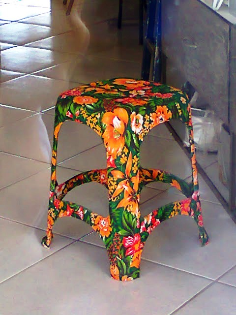 Plastic chairs customization with fabrics1