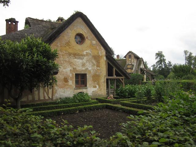 Παραμυθένιο μικρό χωριουδάκι Μαρία Αντουανέτα8
