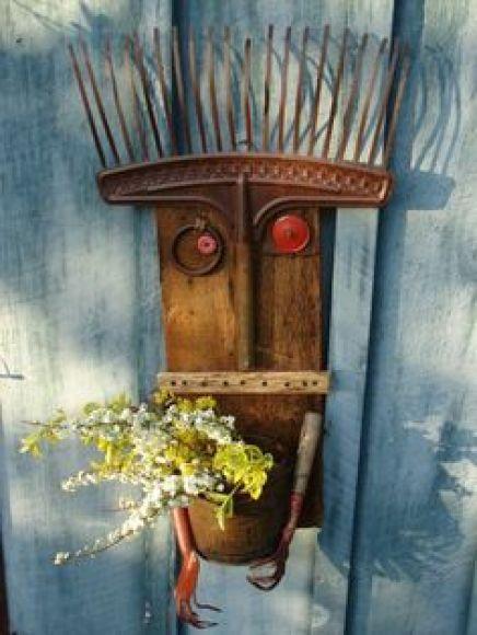 παλιά εργαλεία σε διακοσμητικά κήπου16
