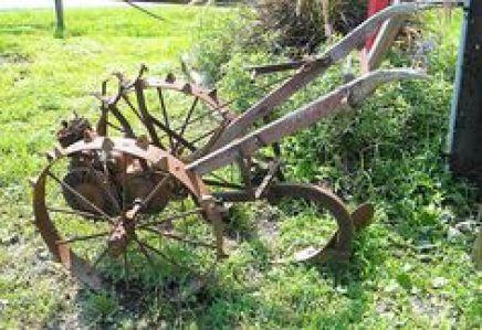 παλιά εργαλεία σε διακοσμητικά κήπου22