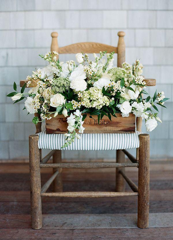 παλιές καρέκλες σε γλάστρες κήπου17
