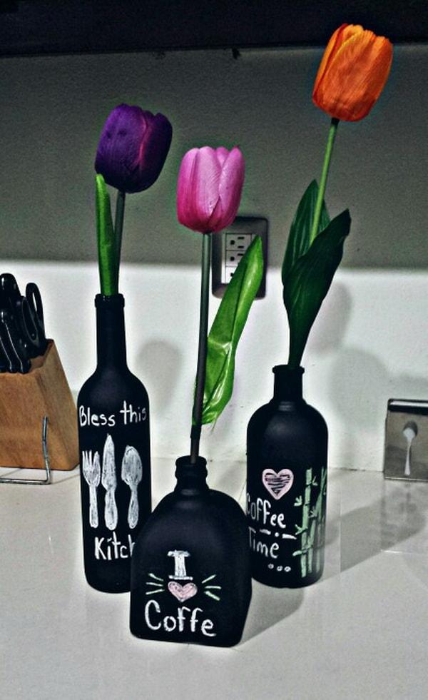 Διακοσμήστε με γυάλινα μπουκάλια και λουλούδια11