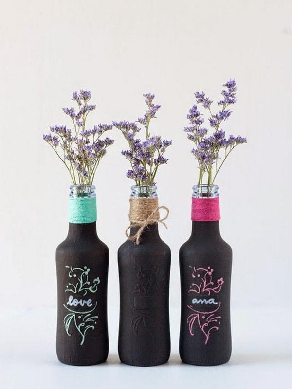 Διακοσμήστε με γυάλινα μπουκάλια και λουλούδια5