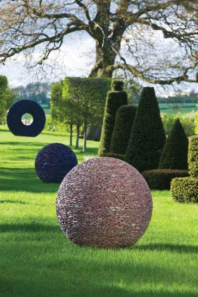 Μοντέρνα γλυπτική κήπου3