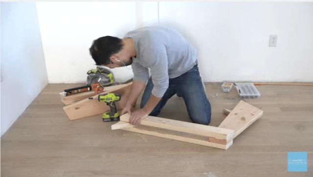 Πώς να κάνετε ένα Μοντέρνο DIY Zig Zag Καναπέ