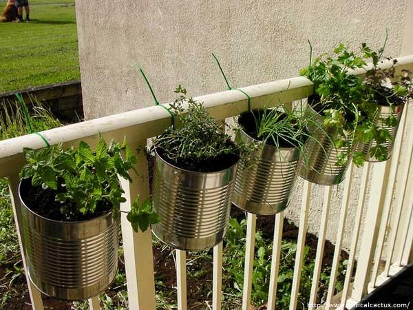 ιδέες με ζαρντινιέρες για το μπαλκόνι σας11