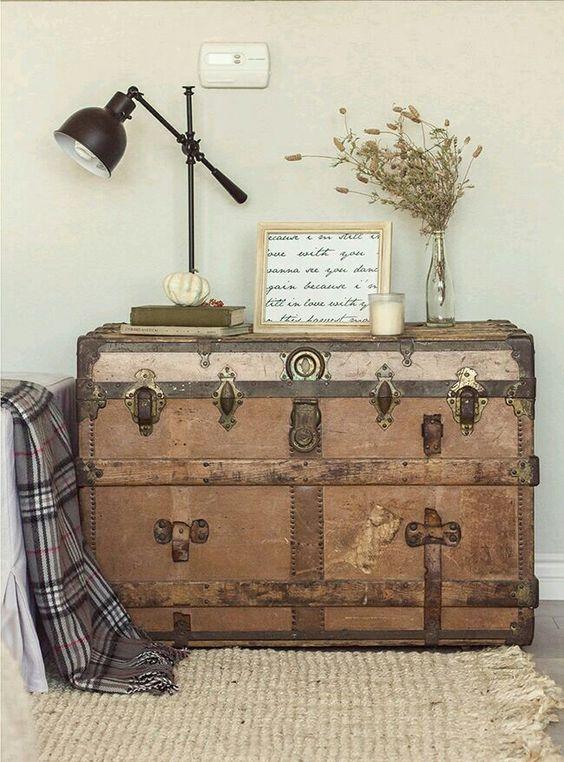 Vintage κασέλες και μπαούλα στη διακόσμηση18