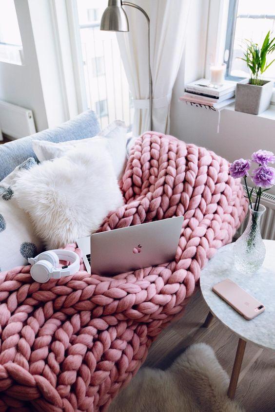 ιδέες διακόσμησης με κουβέρτες παχιάς πλέξης7