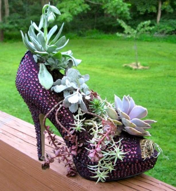 γλαστρες από παλιά παπούτσια2