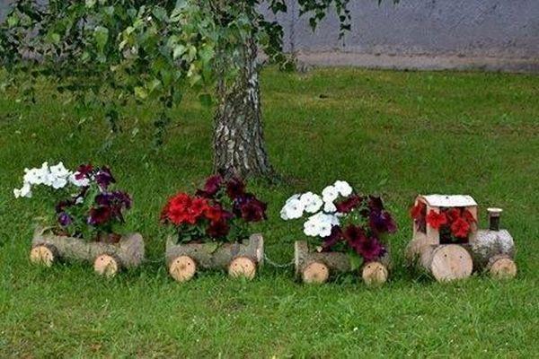 γλάστρες από ξύλινα καφάσια, κορμούς και πλαστικά μπουκάλια1