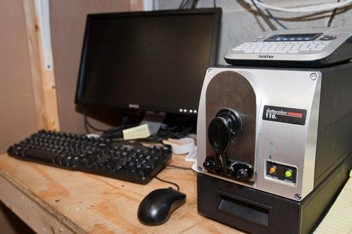 Computer colour matching instrument
