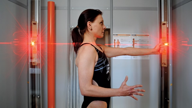 3D Body Scanning by passing laser stripes