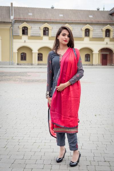 A beautiful Indian girl wearing salwar kameez