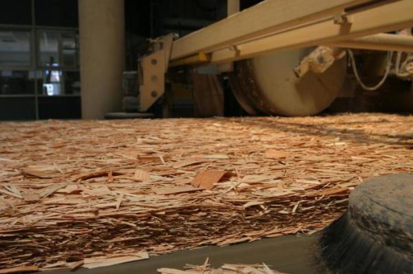 Чем покрасить ОСБ-плиту: выбор материала и техника нанесения